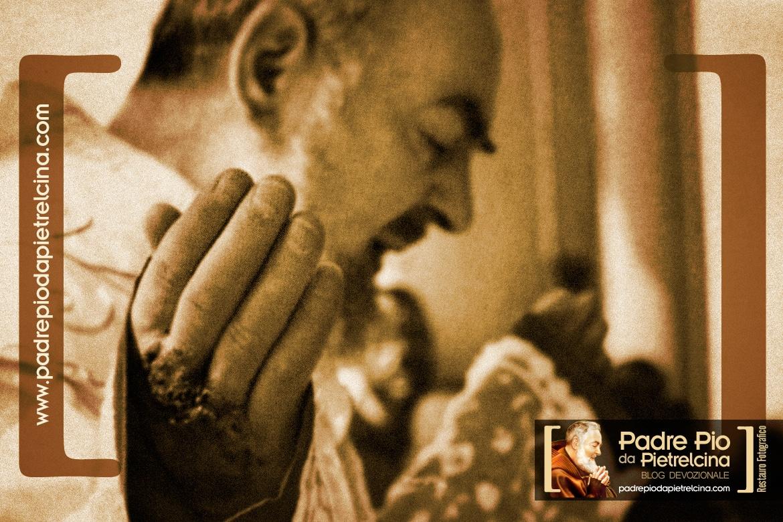 Los estigmas del Padre Pío, los signos visibles de las heridas de Jesucristo