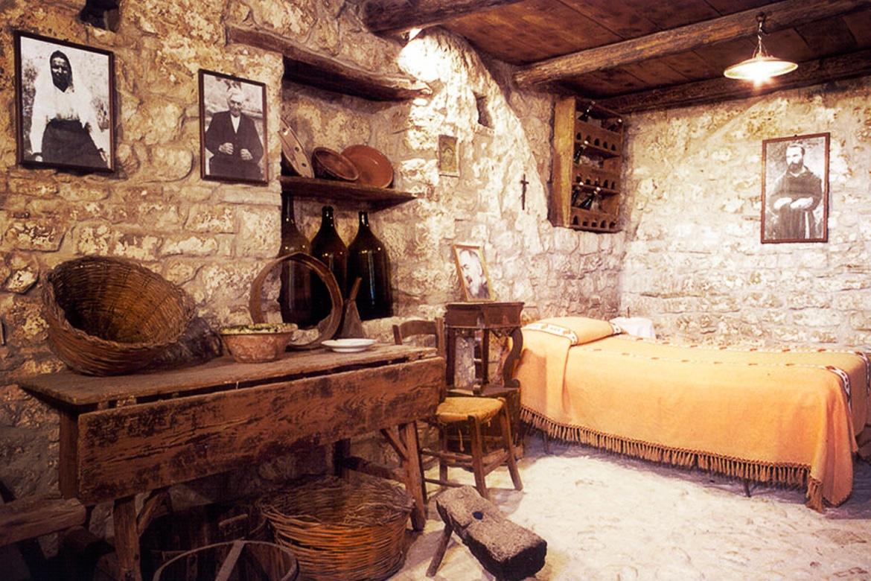 Piana Romana, la Ferme et le Puits de Padre Pio de Pietrelcina