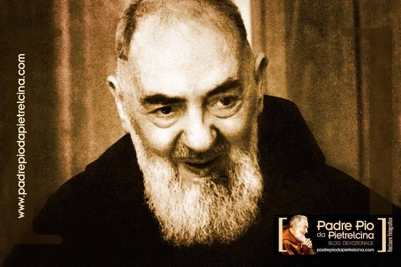 Qui était Padre Pio de Pietrelcina ou simplement Saint Pio ?